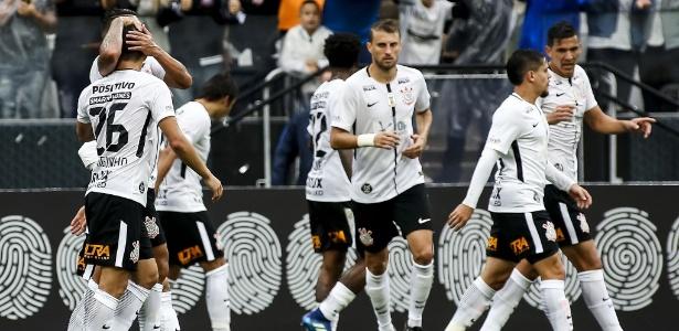Henrique em ação pelo Corinthians contra o Fluminense