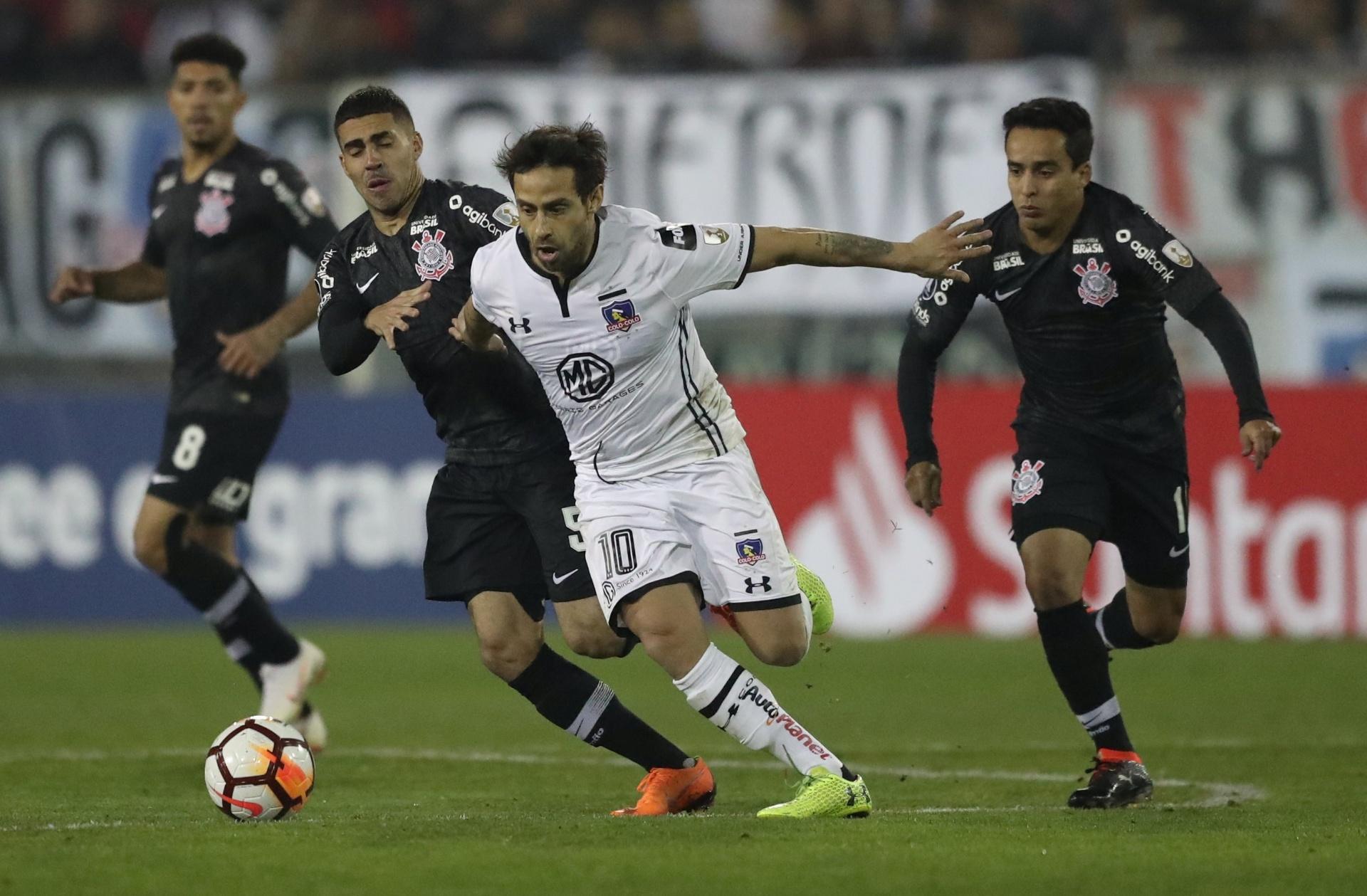 b5cfa612a4 Valdivia faz elogios a Cássio após comandar vitória sobre o Corinthians -  09 08 2018 - UOL Esporte