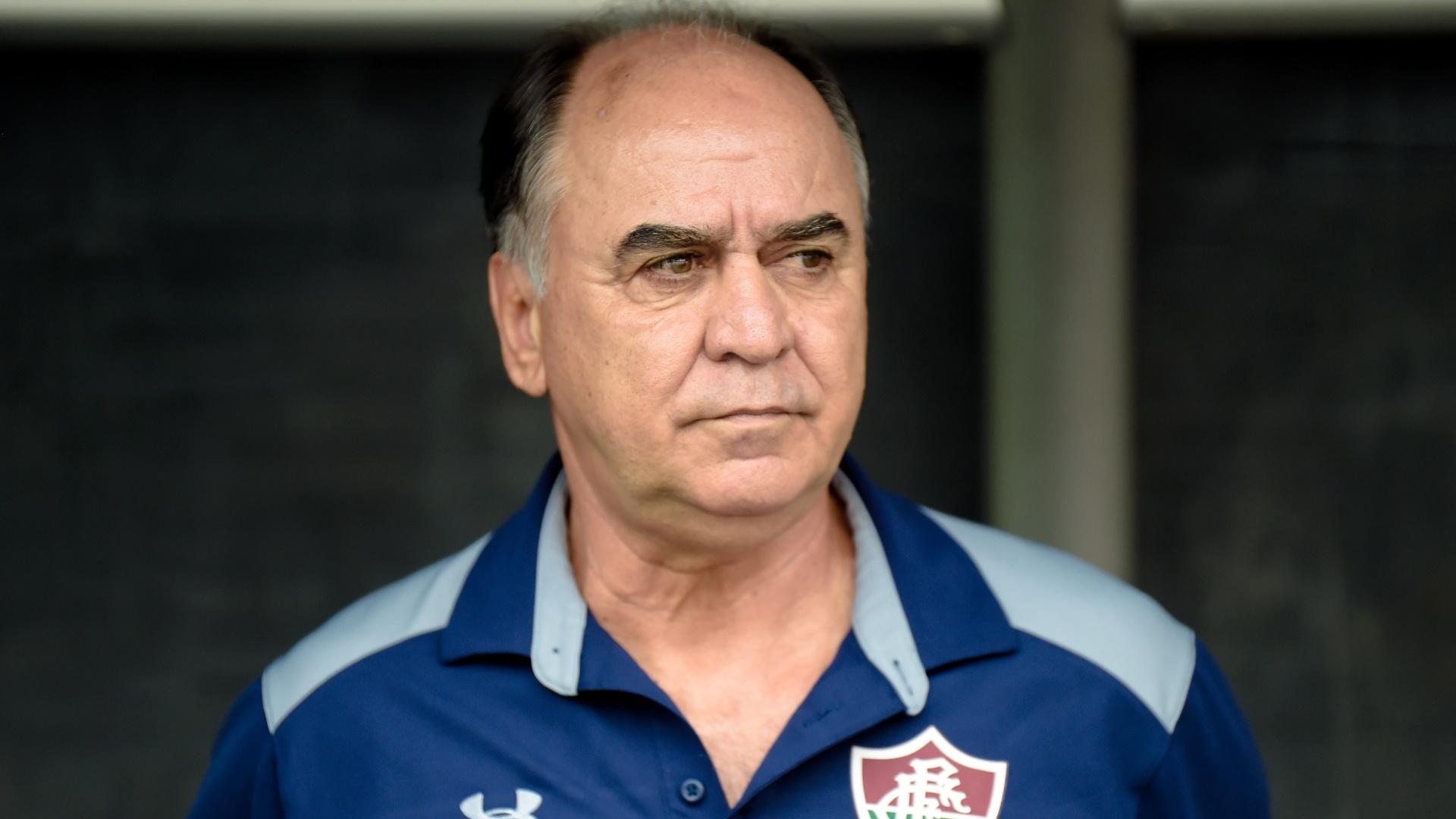 Marcelo Oliveira, técnico do Fluminense, durante jogo contra o Grêmio