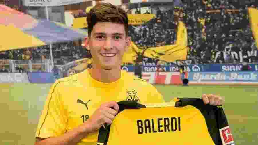 """Leonardo Balerdi, zagueiro que foi usado como """"sparring"""" na seleção da Argentina, apresentado pelo Borussia Dortmund - Reprodução/@bvb09"""