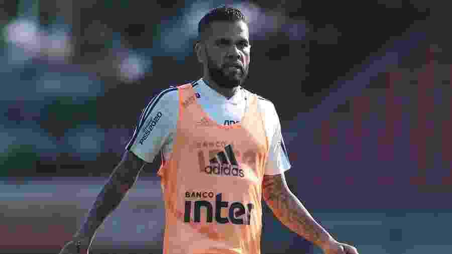 Daniel Alves em treino do São Paulo - Marcello Zambrana/AGIF