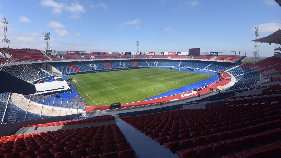 Duelo de 5 de fevereiro acontecerá no estádio La Nueva Olla, em Assunção - Norberto Duarte/AFP Photo