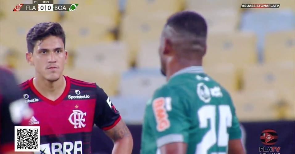 Atacante Pedro em Flamengo e Boavista, jogo com transmissão da FlaTV
