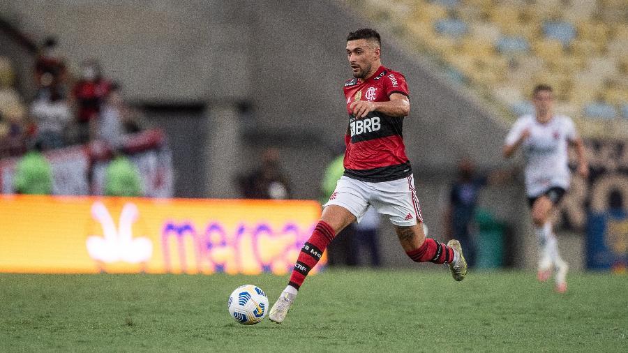 Flamengo estima prazo de recupera��o para o meia Arrascaeta; confira