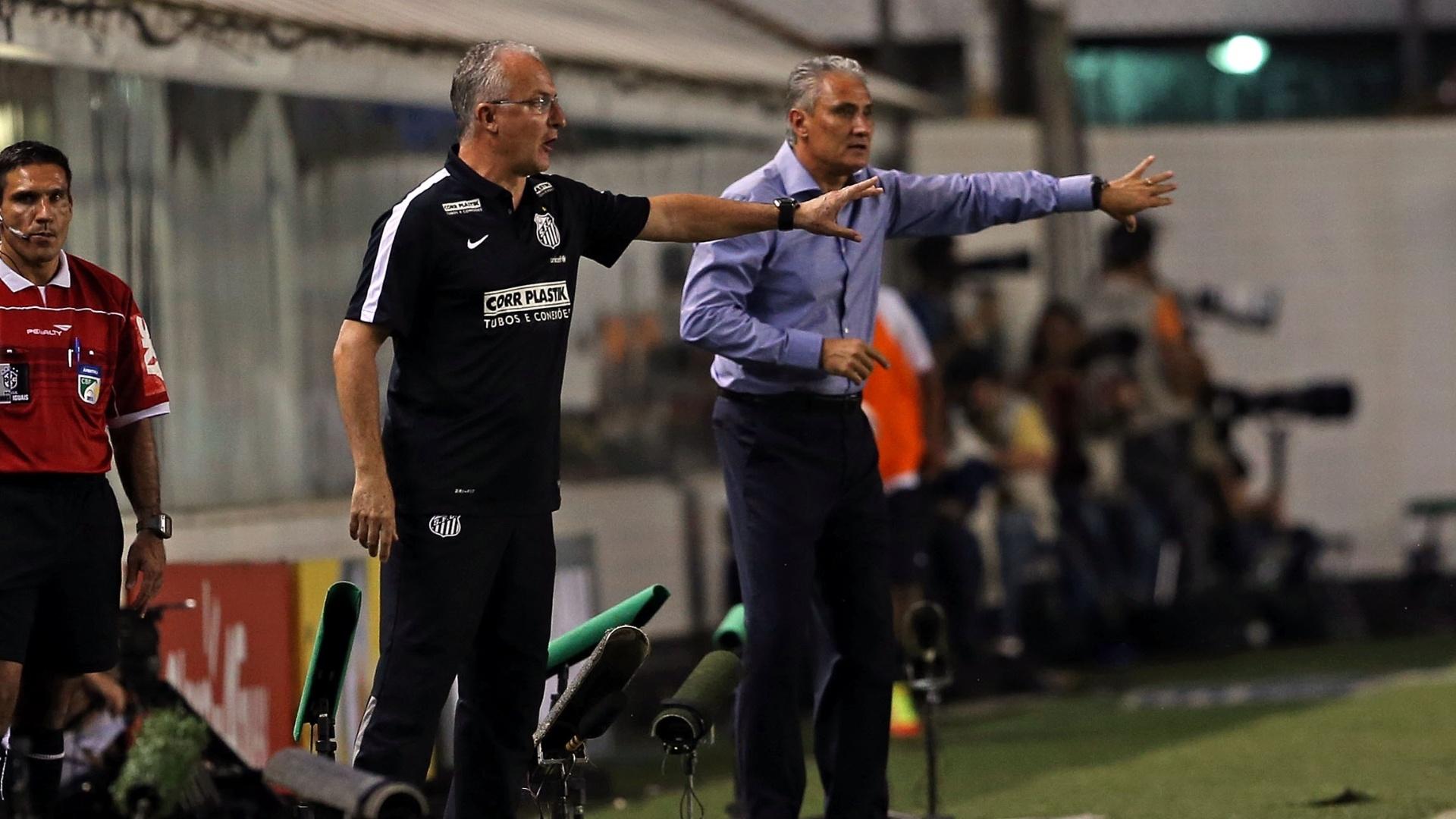 Dorival e Tite orientam suas equipes durante clássico entre Santos e Corinthians