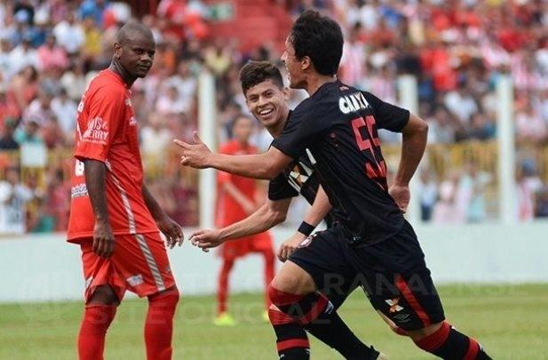 Matheus Anjos comemora gol marcado pelo Atlético-PR sobre o Rio Branco