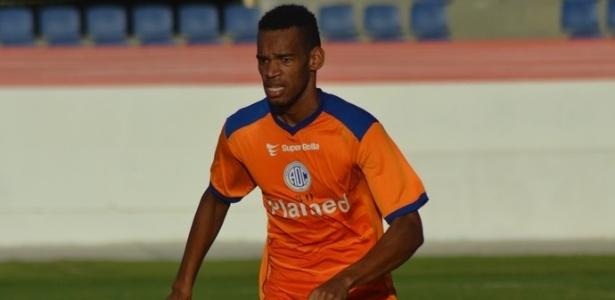 Anderson, zagueiro do Confiança-SE, na mira do Grêmio para 2018