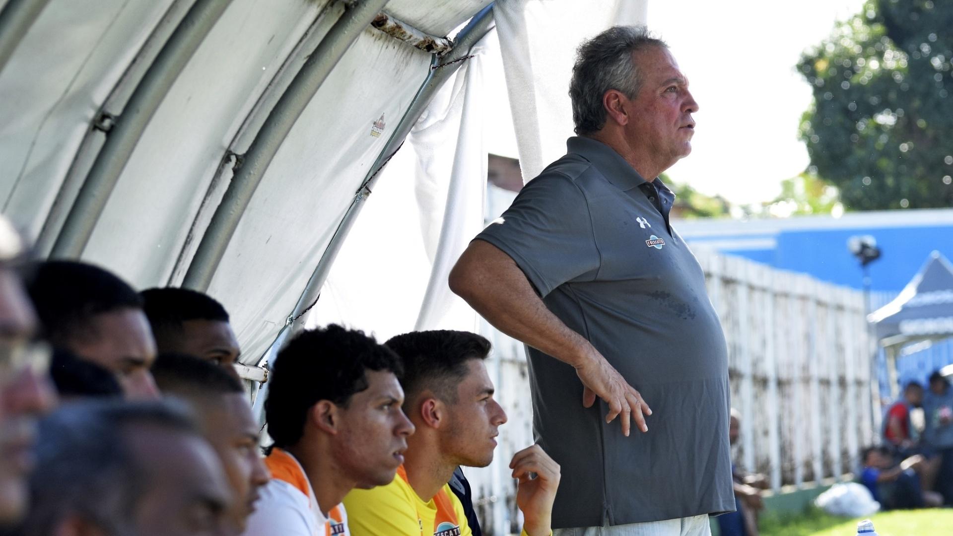 Abel Braga comanda o Fluminense contra o Boavista