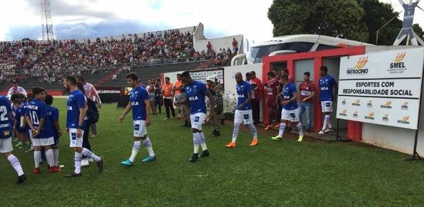 Cruzeiro saiu na frente com Rafael Marques, mas levou o empate no final com Genesis