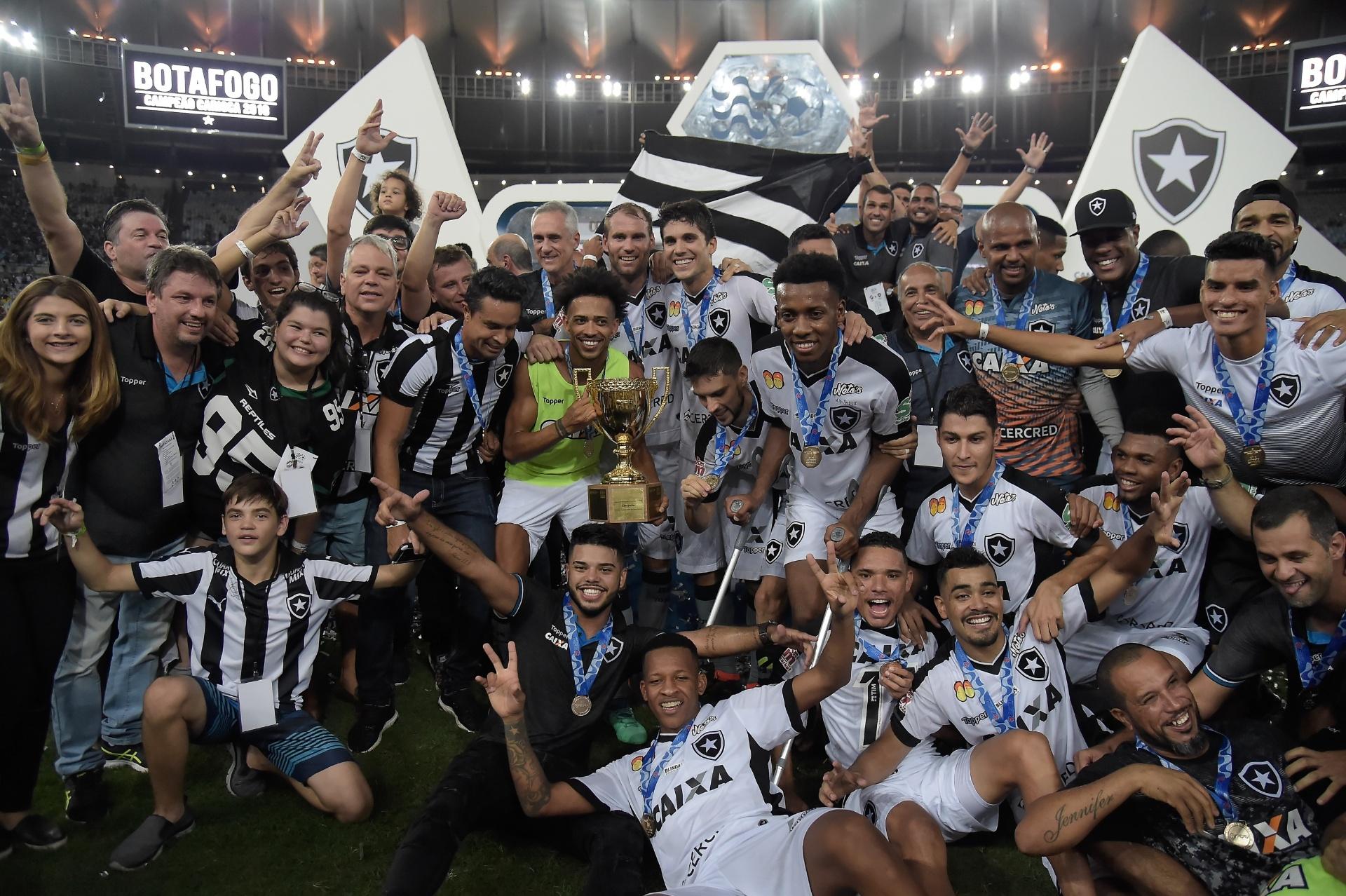 bd450832c6 Botafogo marca nos acréscimos