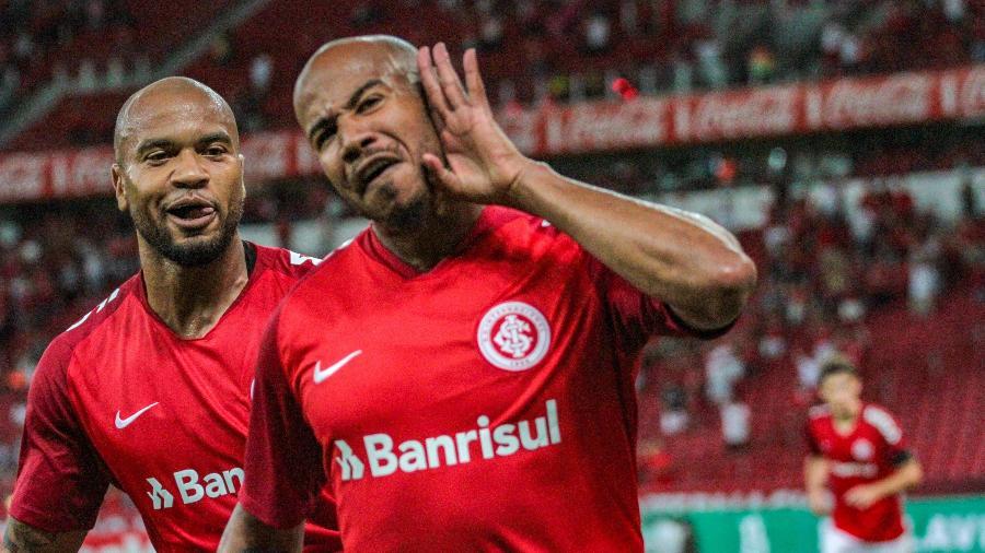 0edf3d418a0 Inter vence Caxias no Beira-Rio e salta para a vice-liderança do ...