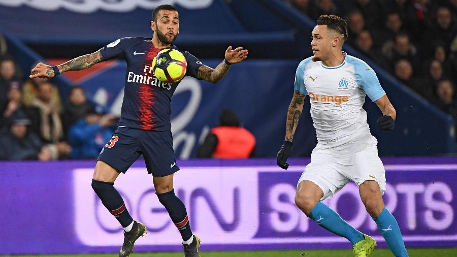 Daniel Alves jogou apenas 30 minutos do clássico contra o Olympique -  FRANCK FIFE / AFP