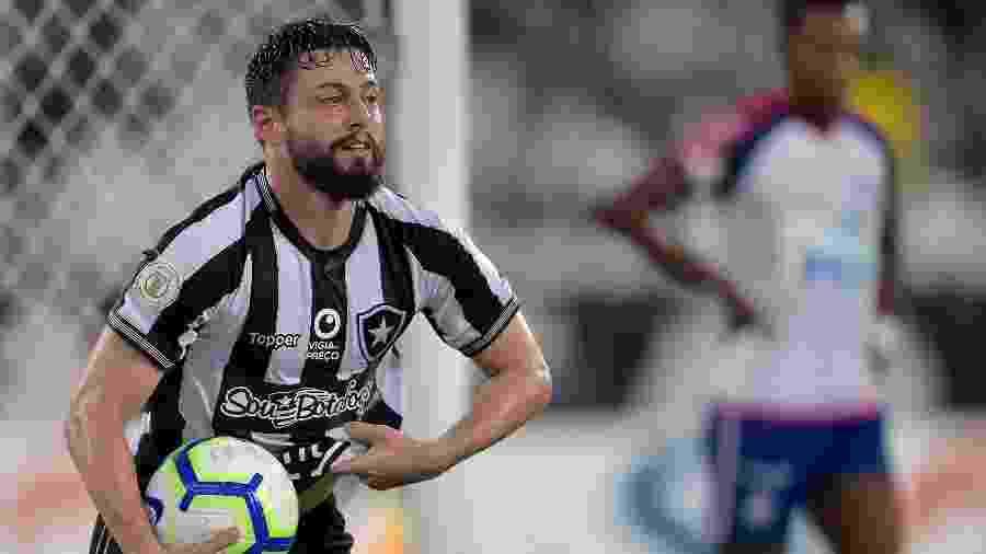 João Paulo comemora gol do Botafogo contra o Bahia - Thiago Ribeiro/AGIF