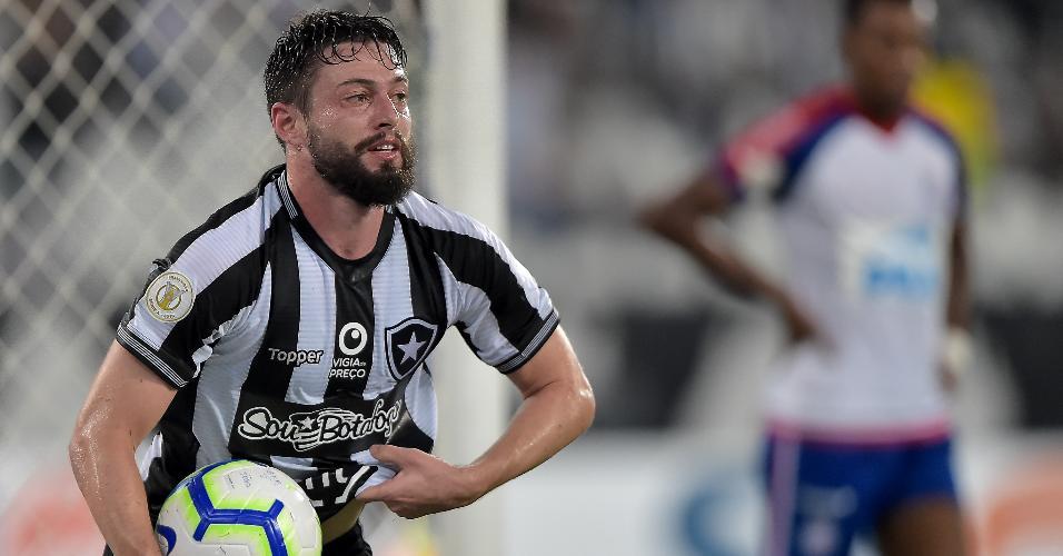 João Paulo comemora gol do Botafogo contra o Bahia