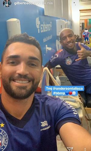 Gilberto posta foto ao lado de Talisca, ex-jogador do Bahia