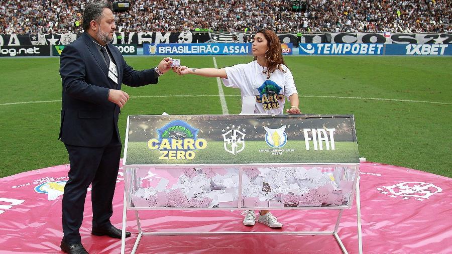 Sorteio de carro em jogo do Botafogo foi cancelado após esposa de cartola vencer - VITOR SILVA/BOTAFOGO