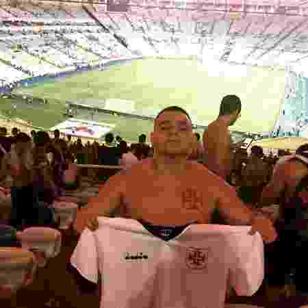 Vascaíno Eugênio Brito, de 22 anos, no dia do clássico com o Flamengo no Maracanã - Arquivo Pessoal