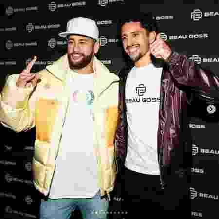 Marquinhos posa ao lado de Neymar durante lançamento de grife  - Reprodução/Instagram