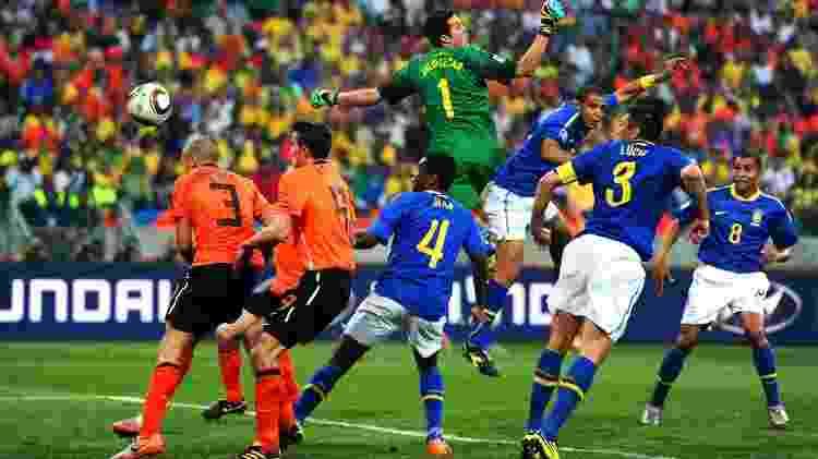 2010 gol contra - Jamie McDonald/Getty Images - Jamie McDonald/Getty Images