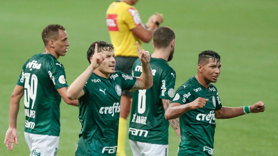 Raphael Veiga comemora gol marcado diante o Grêmio, pelo Campeonato Brasileiro - Marcello Zambrana/AGIF