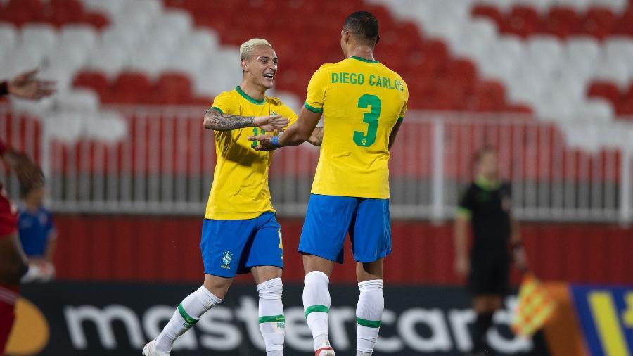 Diego Carlos comemora gol pela seleção olímpica em amistoso contra os Emirados Árabes Unidos - Lucas Figueiredo/CBF