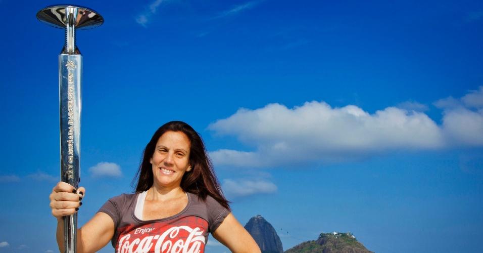 24.jun.2015 - Lara Leite de Castro tinha 19 anos e estudava educação física quando escreveu uma redação sobre os ideais olímpicos e se tornou a primeira brasileira a conduzir a tocha em Jogos Olímpicos.