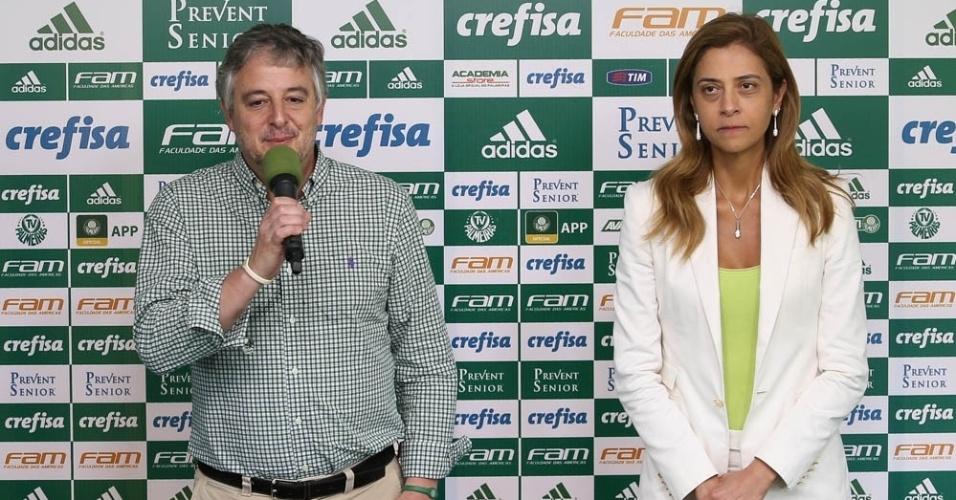 Paulo Nobre, presidente do Palmeiras, e Leila Pereira, dono da Crefisa e da FAM, na divulgação da nova camisa