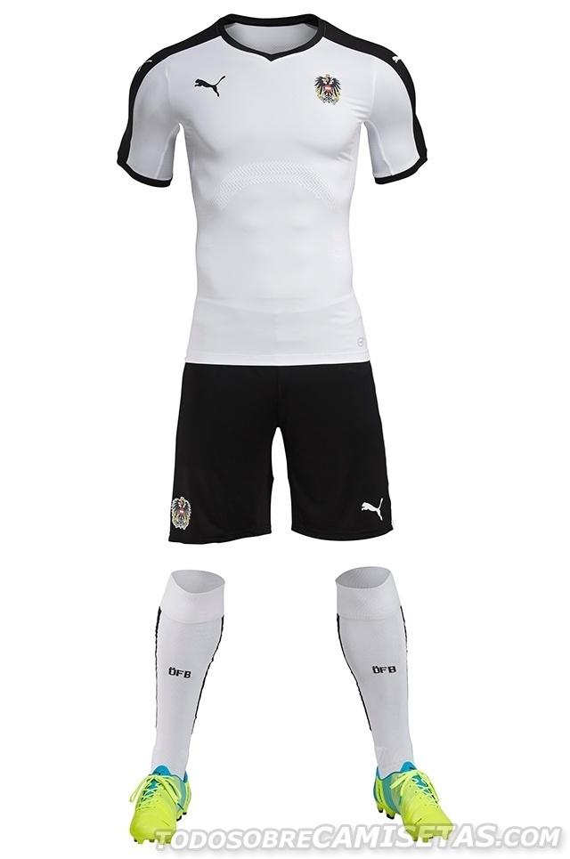 GRUPO F: Áustria (camisa titular, Puma)
