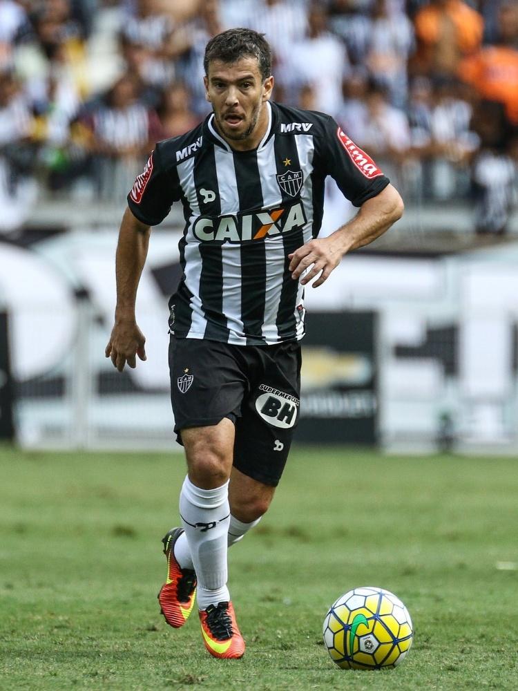 Leandro Donizete em ação durante jogo do Atlético-MG
