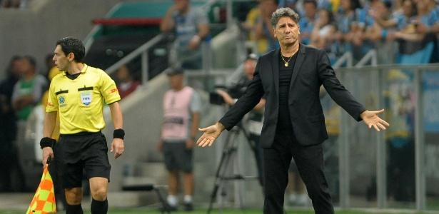 Renato Gaúcho fez substituição ainda no primeiro tempo do jogo contra o Botafogo