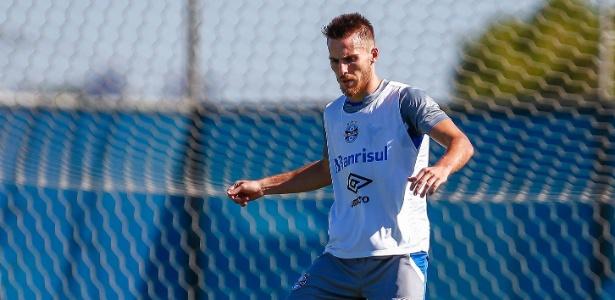 Bressan pode ser titular do Grêmio no jogo decisivo de quarta, na vaga de Kanemann