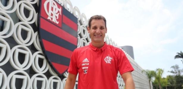 Filho de Carpegiani, Rodrigo foi anunciado pelo Flamengo como novo auxiliar técnico do clube