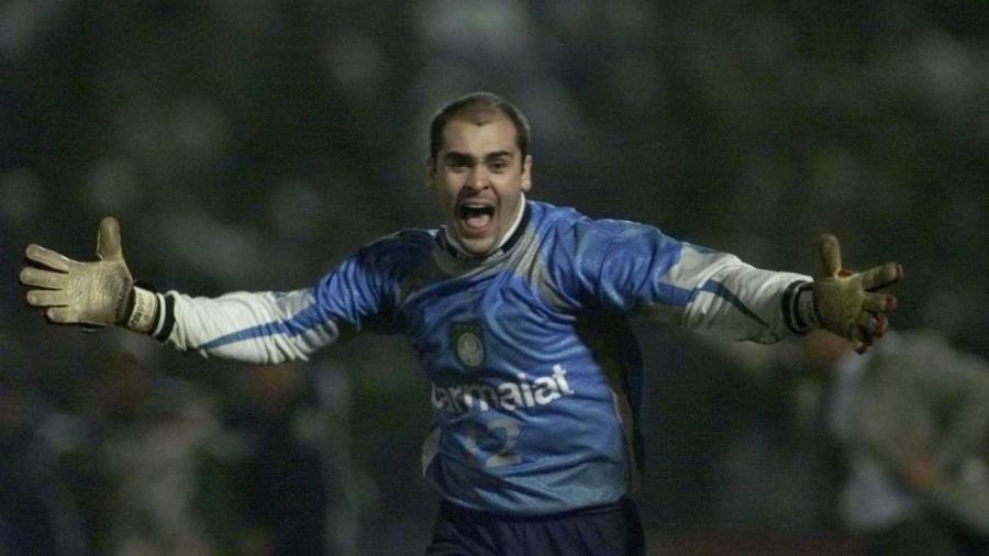 Marcos comemora o título do Palmeiras na Libertadores de 1999 - Ormuzd Alves/Folhapress