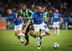 Barcos estreia sem chances de gol, mas rendimento é aprovado por Mano - Vinnicius Silva/Cruzeiro