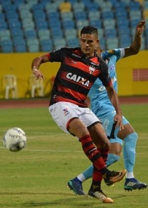 Junior Brandão defende o Atlético-GO na Série-B e já marcou 13 gols em 2018
