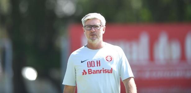 Odair Hellmann, técnico do Inter, durante treinamento do time em Porto Alegre