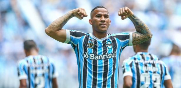 Jael e André não corresponderam em 2018 e o Grêmio tenta mais um centroavante - Lucas Uebel/Grêmio FBPA