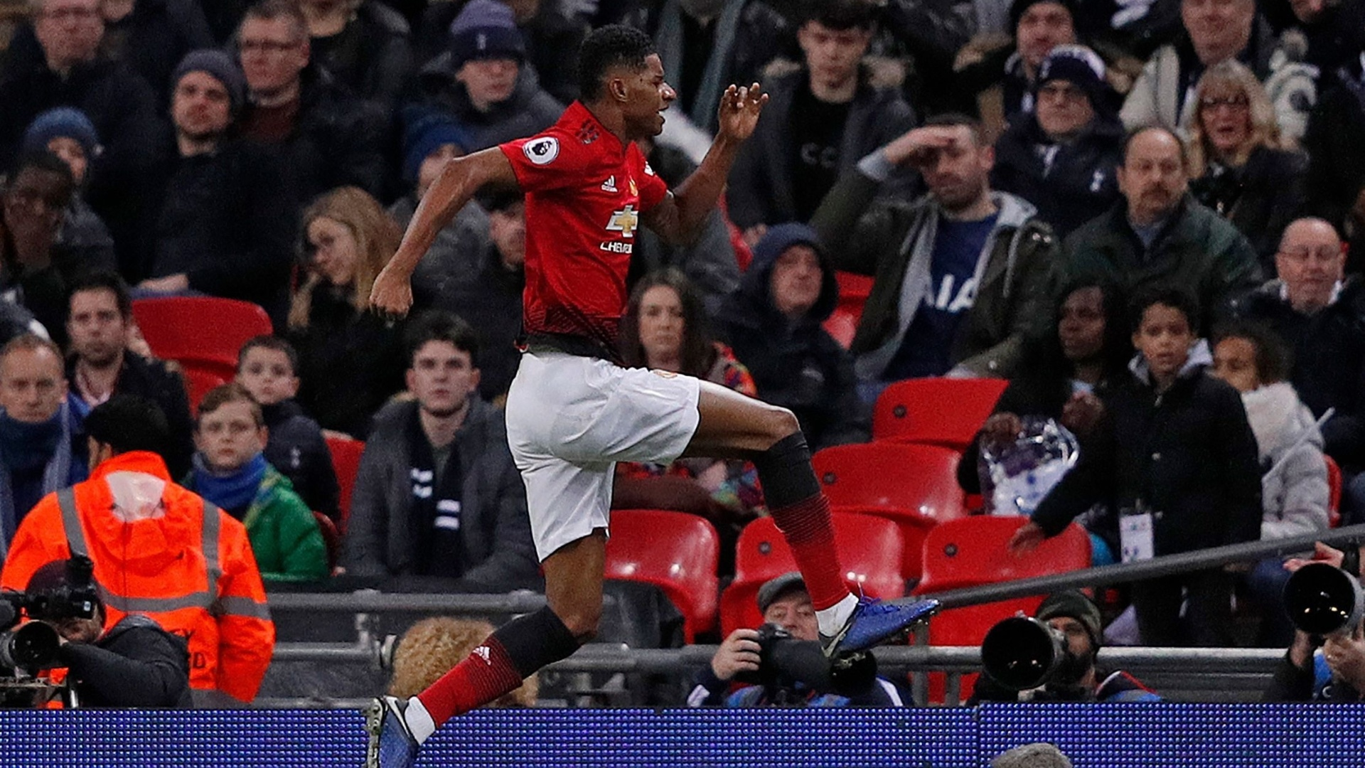Rashford comemora gol do Manchester United