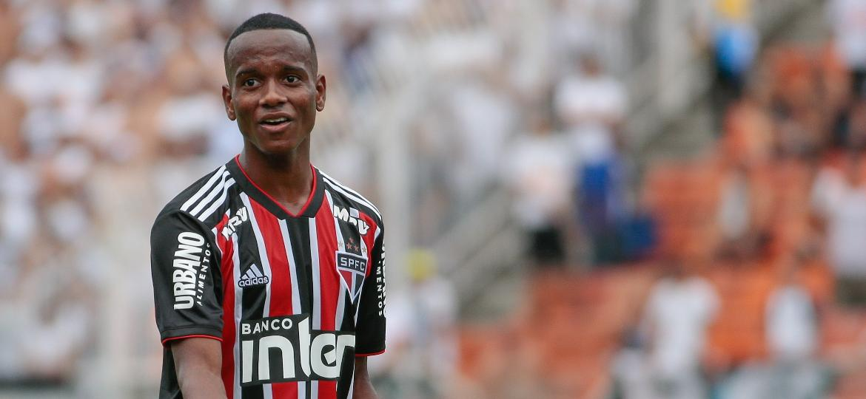 Helinho do São Paulo em clássico contra o Santos - Marcello Zambrana/AGIF