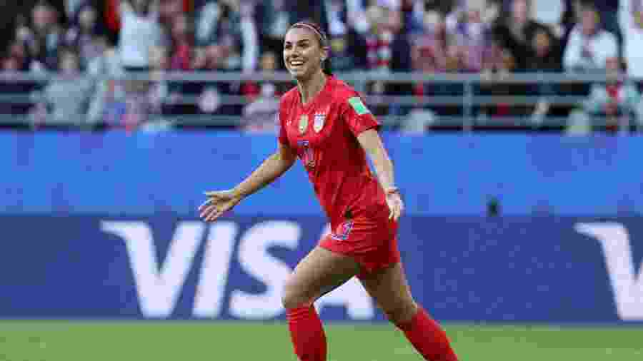 Alex Morgan abre o placar para os Estados Unidos contra a Tailândia na Copa do Mundo feminina - Robert Cianflone/Getty Images