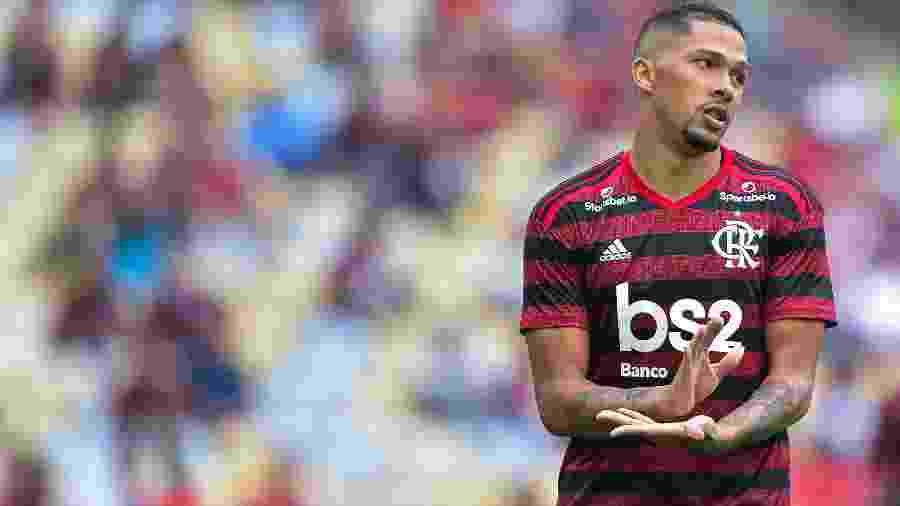 Vitor Gabriel lamenta chance perdida pelo Flamengo na estreia do Campeonato Carioca - Thiago Riberio / Agif