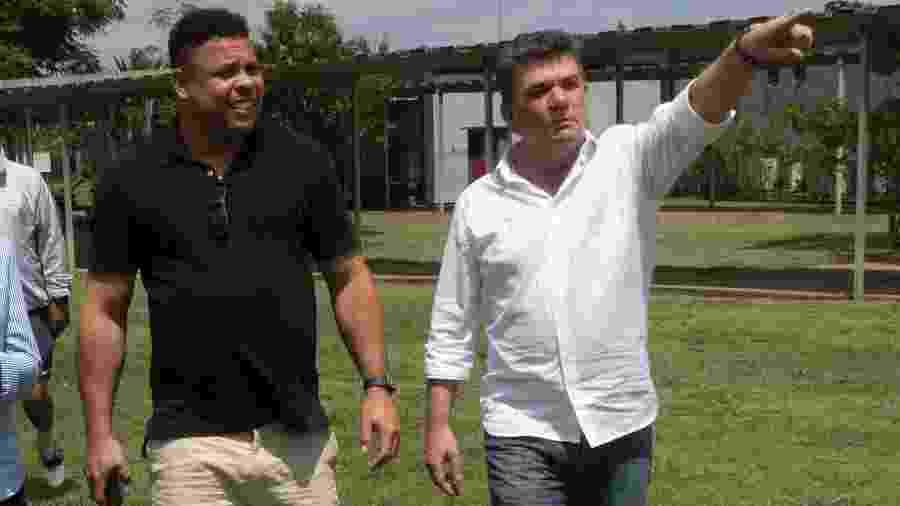 Presidente Andrés Sanchez ao lado de Ronaldo em uma das visitas do ex-atacante ao CT Joaquim Grava - Daniel Augusto Jr/Ag. Corinthians