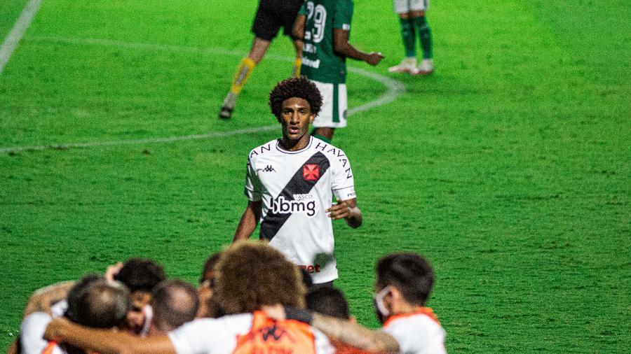 Vasco precisa vencer Goiás, torcer para o Fortaleza perder para o Flu e tirar 12 gols de saldo para o clube cearense - Heber Gomes/AGIF