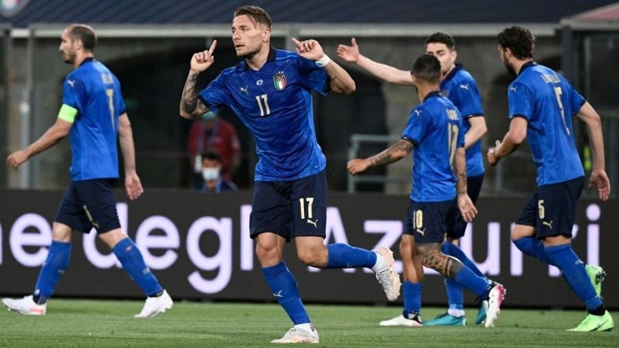 Ciro Immobile celebra gol da Itália contra a República Tcheca - Reprodução/Twitter