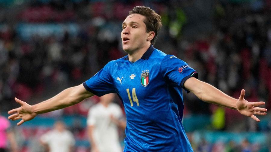 Chiesa comemora gol da Itália sobre a Espanha na semifinal da Eurocopa - Frank Augstein / POOL / AFP