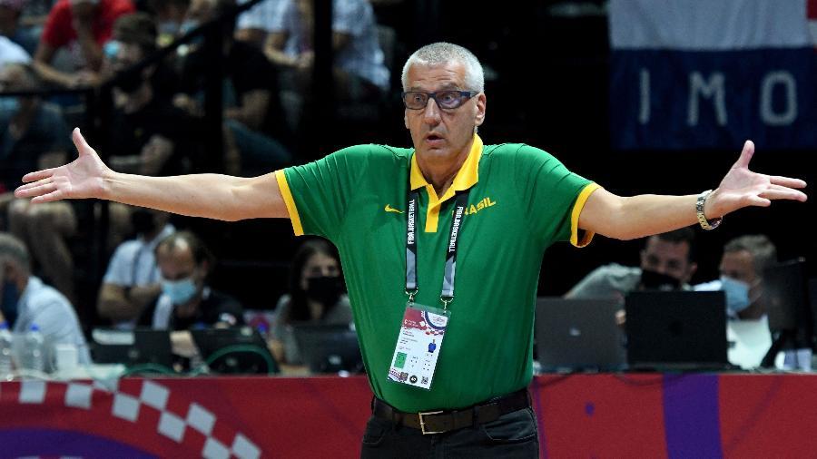 Aleksandar Petrovic durante jogo da seleção brasileira masculina de basquete contra a Croácia - Denis Lovrovic/AFP