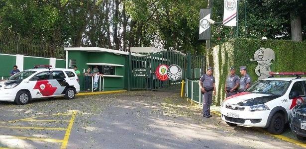 academia de Futebol recebeu reforço policial na última segunda-feira