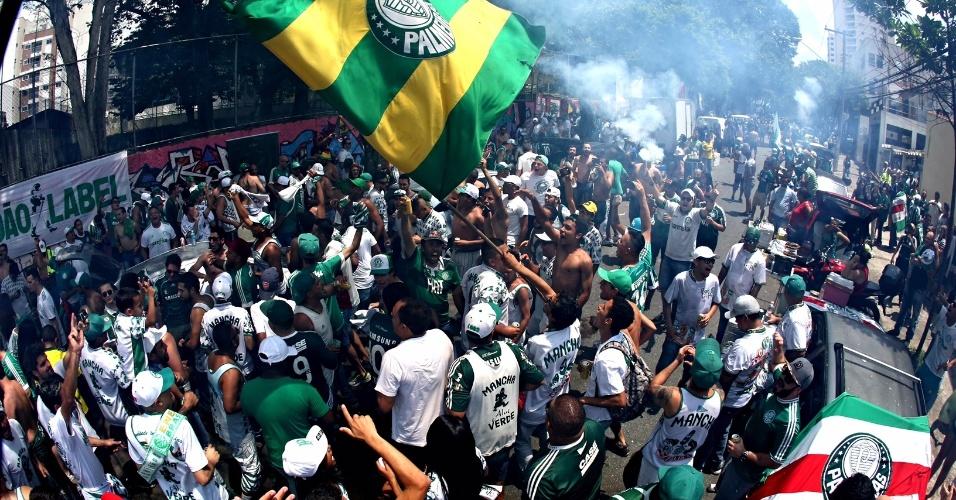 Torcedores do Palmeiras começam a chegar para partida contra Chapecoense