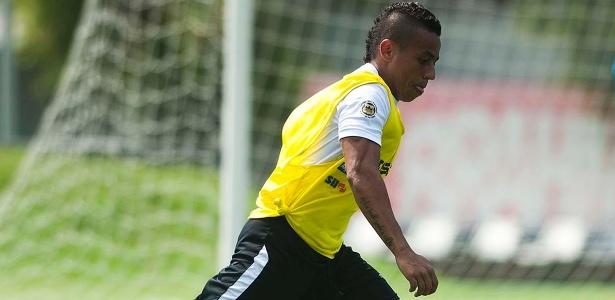Vladimir Hernández (foto) e Copete ajudam com informações de time sul-americanos