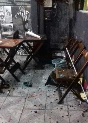 Bar próximo ao Engenhão foi completamente destruído após a pancadaria